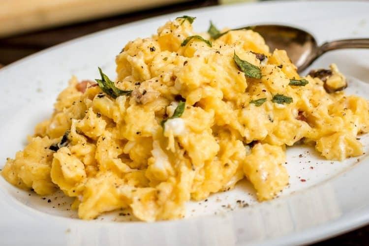 Keto Herbed Scrambled Eggs Recipe