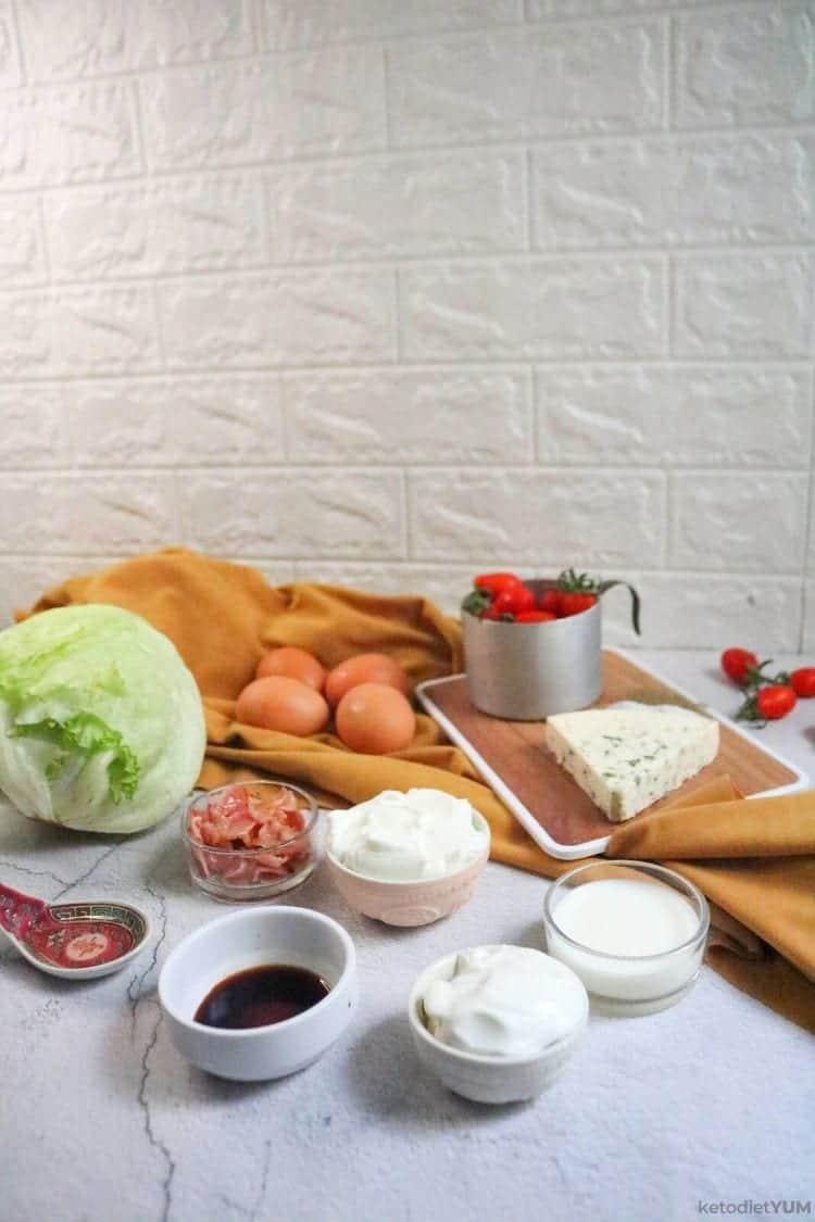 Iceberg salad ingredients