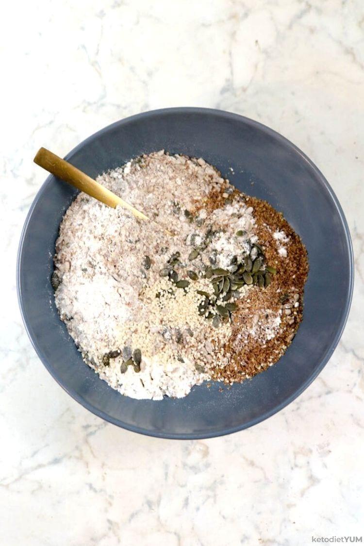 Keto crackers recipe ingredients