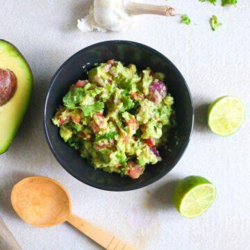 Easy Avocado Guacamole