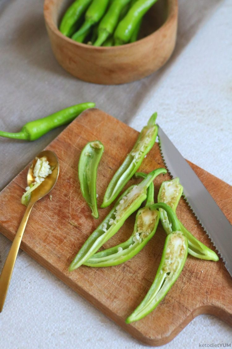 Removing seeds from jalapeno peppers