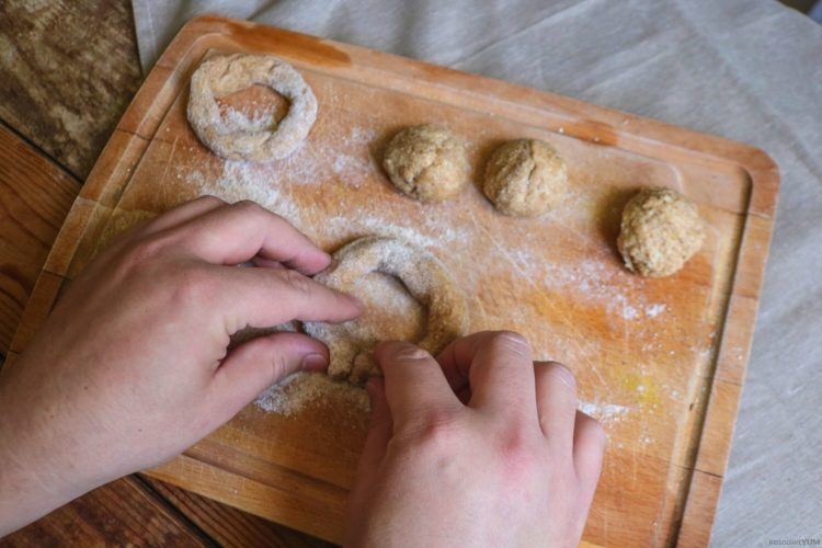 Shaping fathead dough into bagels