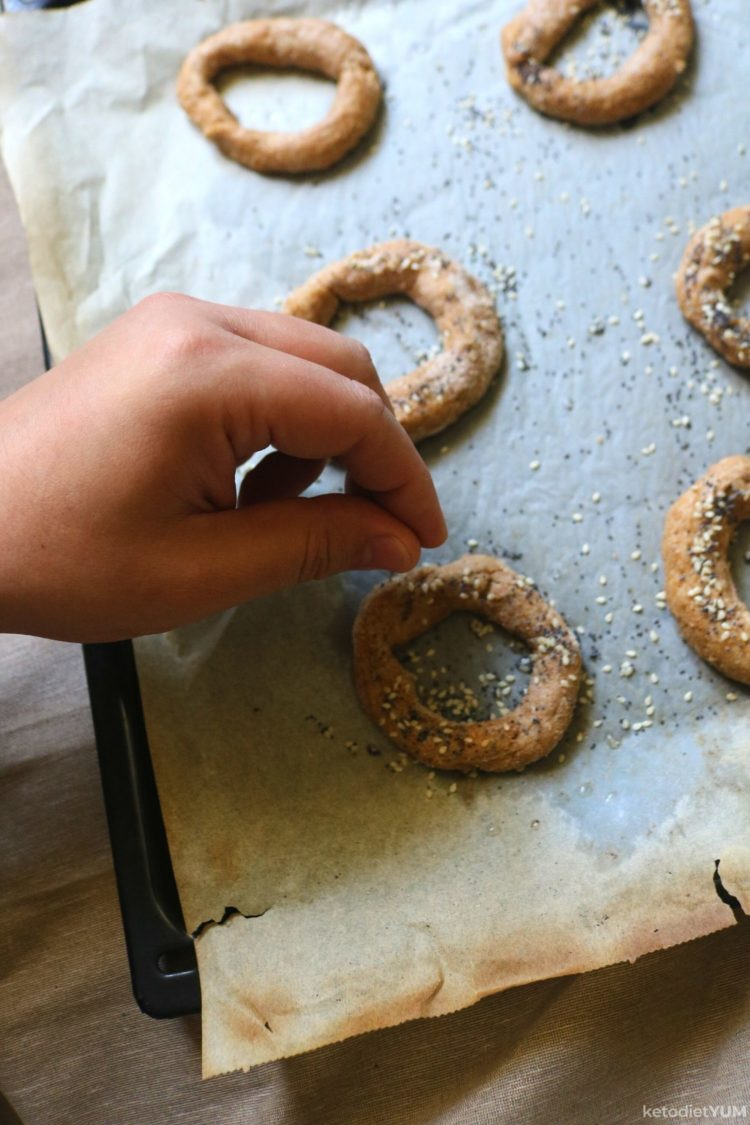 Topping the fathead dough bagels