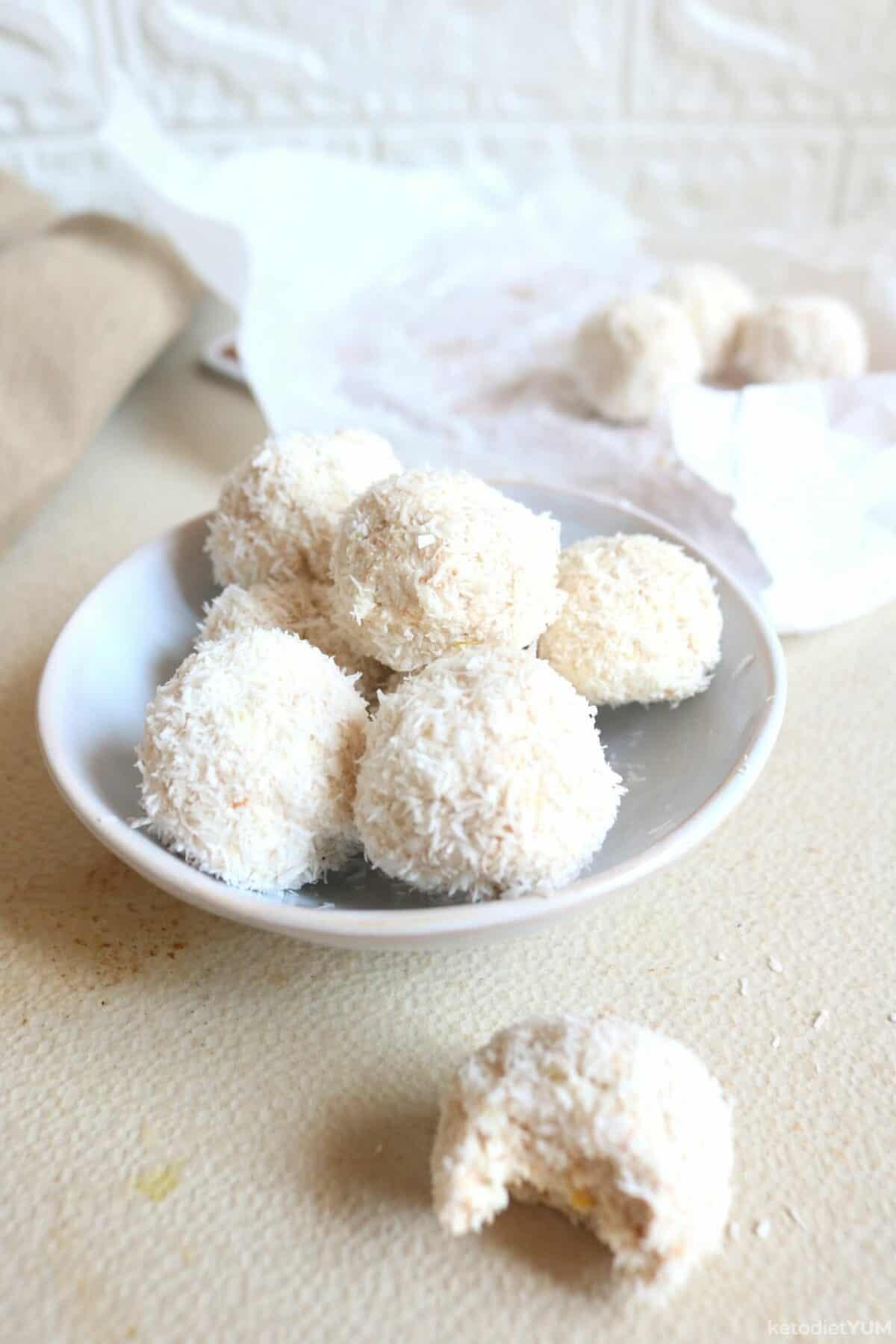Lemon Fat Bombs
